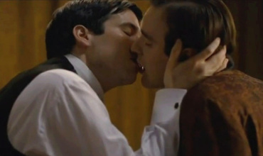 Rob_jamescollier_and_duke_kiss
